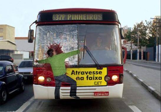 ロードセーフティバス広告